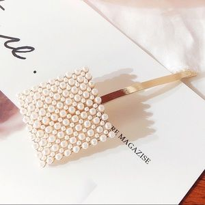 New! Large Square Pearl/Gold Hair Pin!